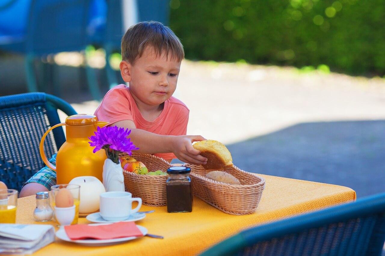 Conheça os 10 mandamentos para uma Alimentação Infantil Saudável