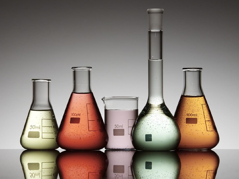 Substâncias nocivas presentes nos cosméticos